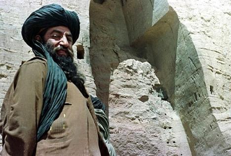 طالبان افغان در بامیان باستان پس از انفجار بودا /2001-03-26